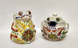 mexican-pottery-ceramic-majolica-tableware-frog-sugar-and-creamer-hand-made-mexico-multicolors